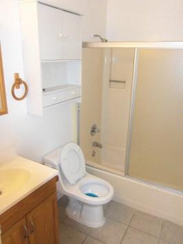 Richmond 5 Unit Apartment - Bathroom
