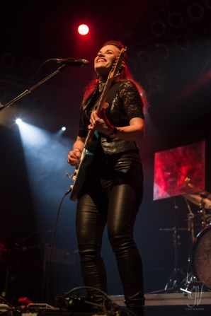 Monstress of Guitar: Erja Lyytinen