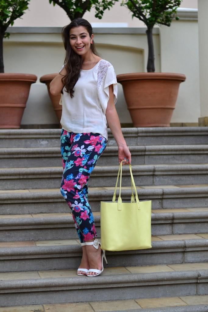floral pants outfit ideas