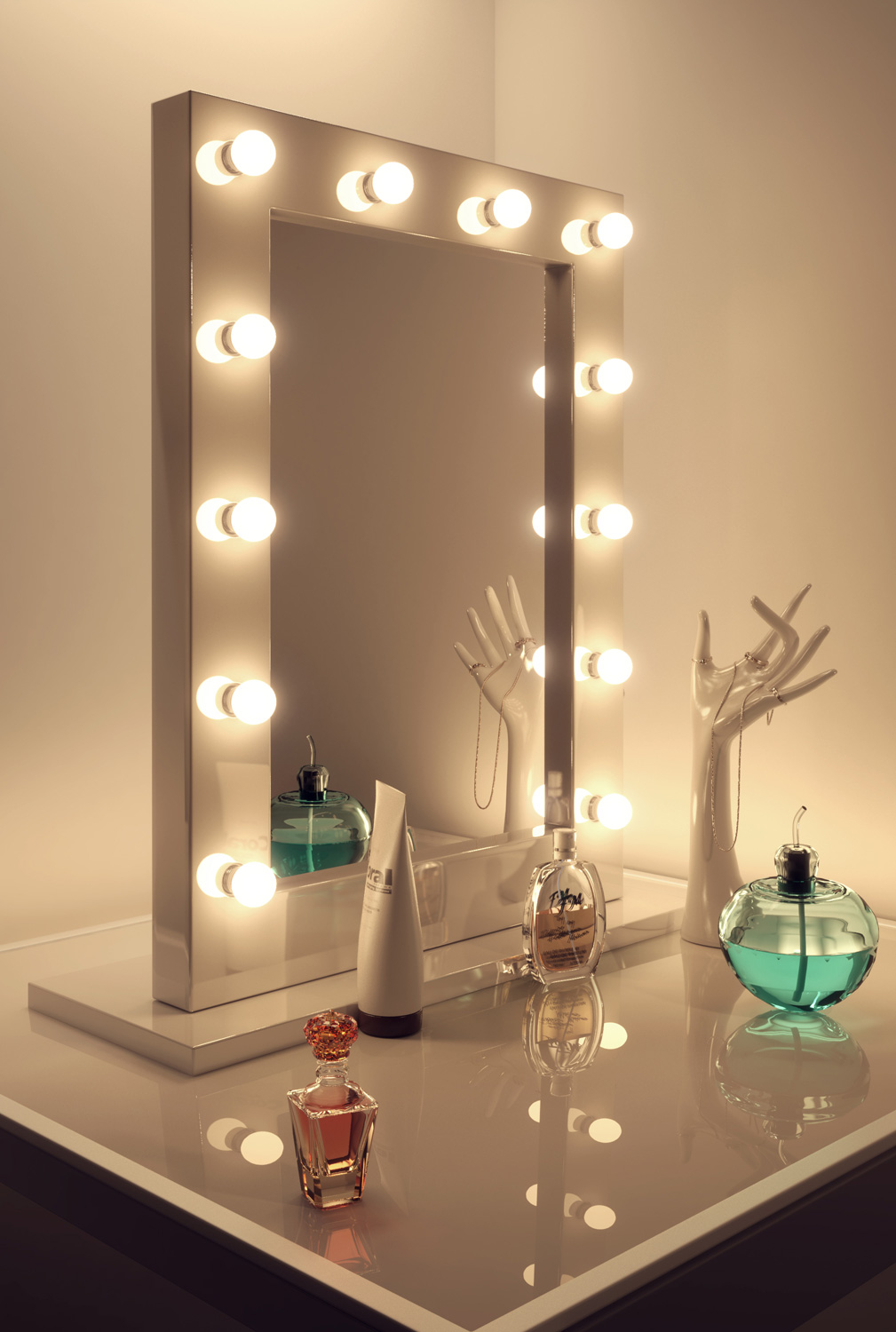 High Gloss White Hollywood Makeup Theatre Dressing Room