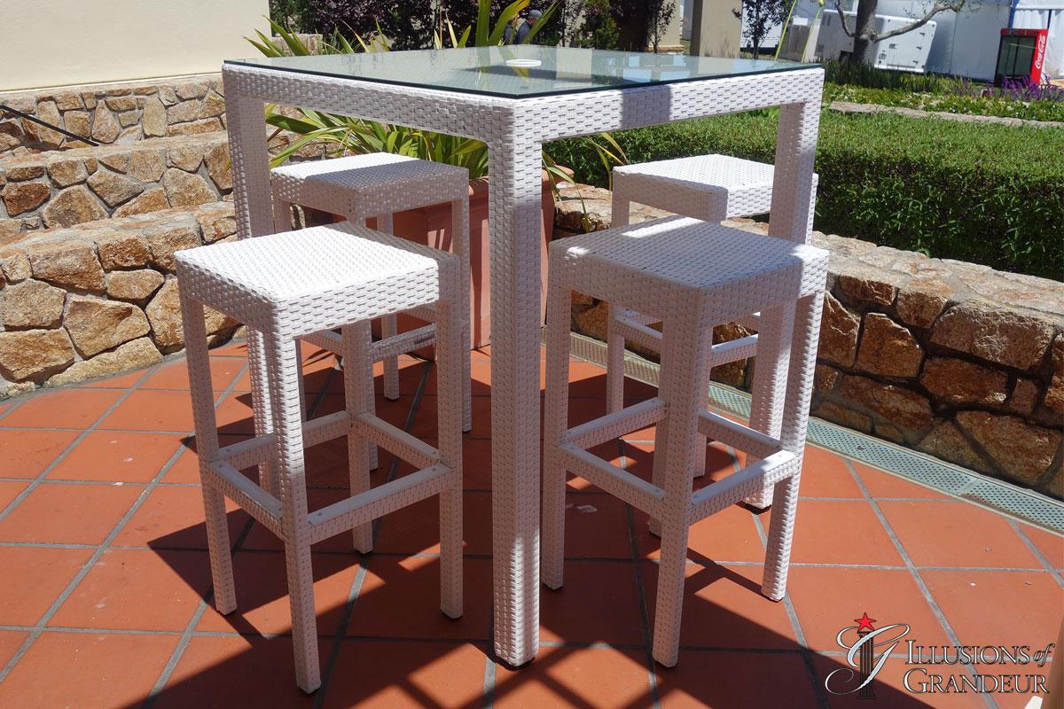 Palmero-Bar-Table-Set