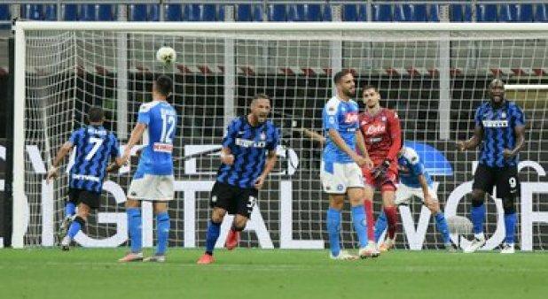 Live Inter-Napoli 2-0:torna in campo anche Malcuit!