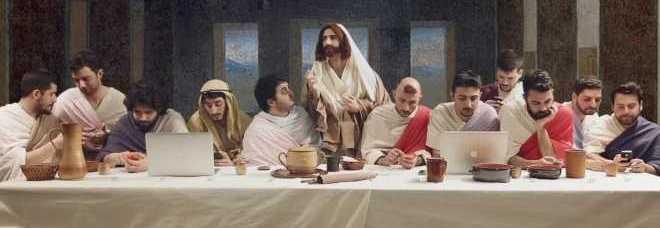 Lultima cena nellera digitale il video dei napoletani