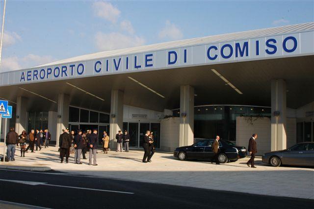 Aeroporto di Comiso, firmata dai sindaci la convenzione per incrementare i flussi