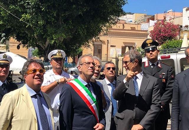 """Governo Musumeci a Ustica: """"Un ddl per valorizzare le isole minori"""""""
