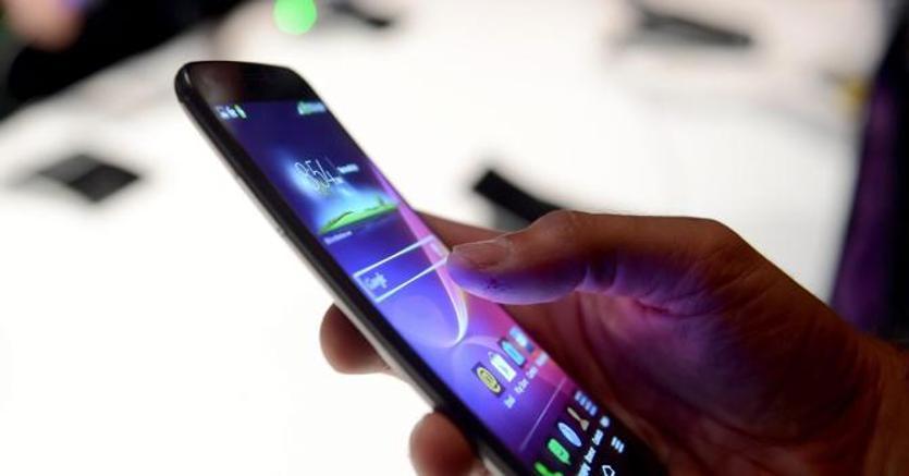 Come difendersi dai danni degli smartphone, presentato vademecum