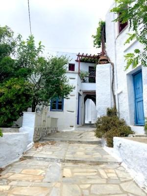 Tinos - Monastiri