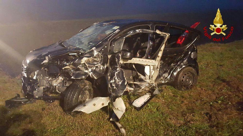 Maddaloni, incidente stradale mortale una vittima e quattro feriti