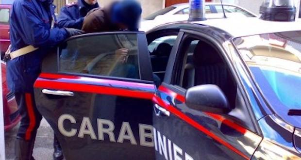 Napoli, Vomero: rapinarono e violentarono una 27enne
