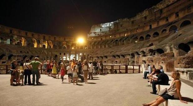 Visitar o Coliseu de Roma à noite