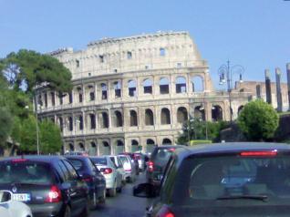 traffico-roma-colosseo-