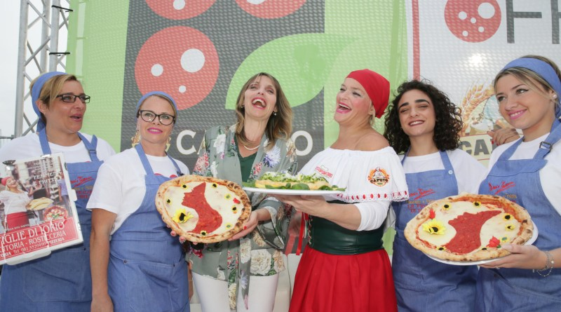 Napoli Pizza Village: una pizza contro il femminicidio
