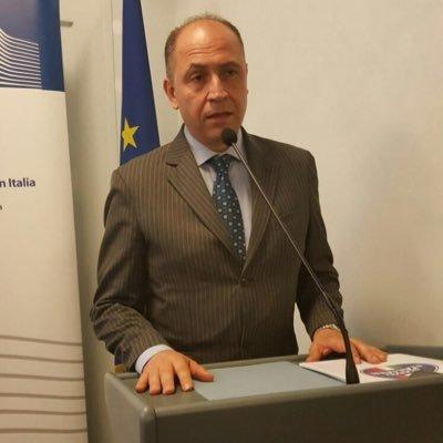 Umanizzazione della medicina a sostegno dei malati, premiato Raffaele Canneva