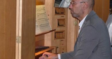 Castaldo suona Franck e la tradizione francese sull'organo storico della Chiesa luterana di Napoli