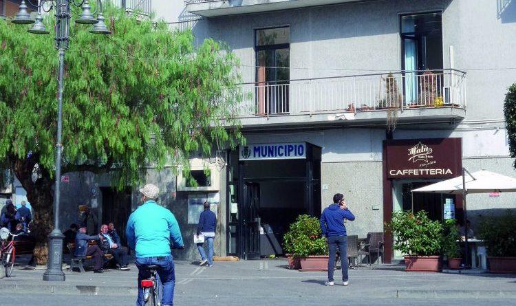 Poggiomarino, marciapiedi di via Roma. Opposizione presenta interrogazione: «Dubbi sui criteri di assegnazione e procedura»