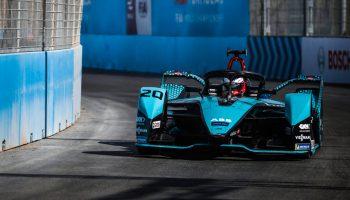 I gladiatori di Jaguar Racing tornano ad elettrificare le strade di Roma
