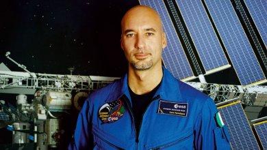 Astronauta siciliano nello spazio con stemma di Catania