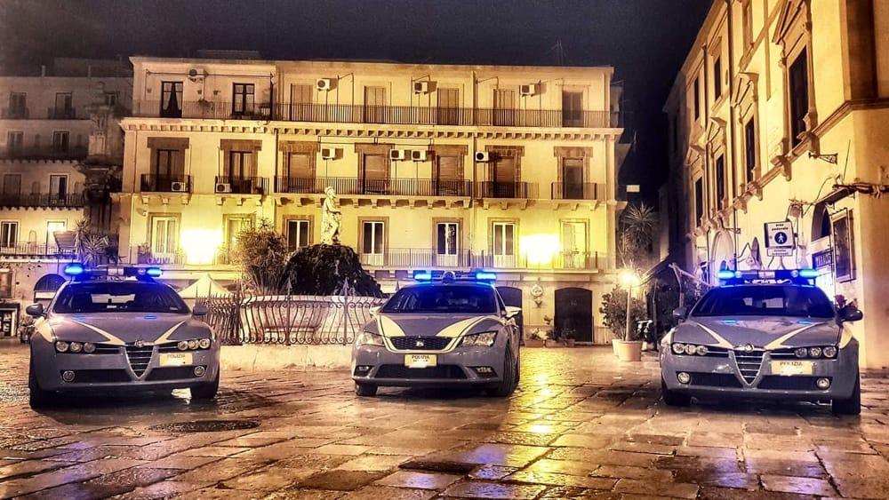 polizia piazza rivoluzione-2