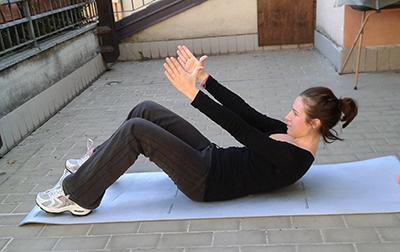 Esercizio 3 sit up + crunch inversi 2