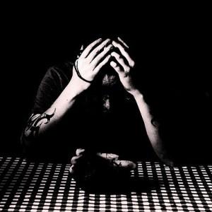 Cos'è la fobia sociale? In che modo si differenzia dalla timidezza?