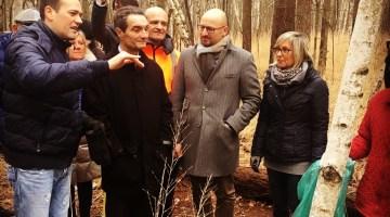 Attilio Fontana in visita nelle Groane:  pulizia insieme i volontari