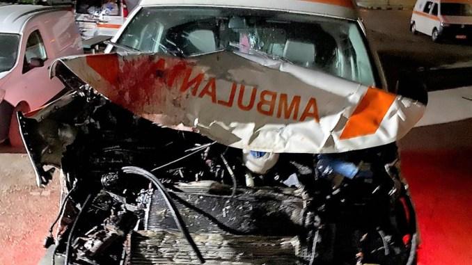 Un șofer de ambulanță beat a provocat un accident rutier în Andrășești. FOTO IPJ Ialmița