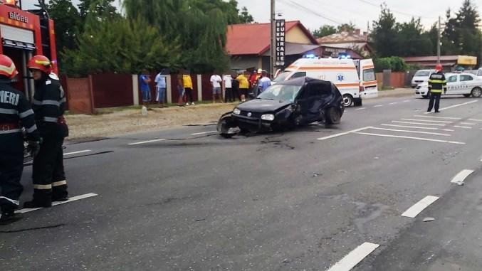 Trei răniți după ce un șofer a efectuat o manevră de întoarcere fără să se asigure. FOTO IPJ Ialomița