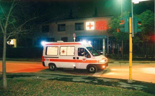 Massarosa (Lucca): dramma a Quiesa, moto contro auto, vittima un uomo