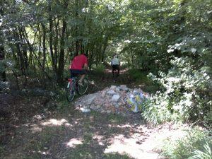 Trovati gli scaricatori del Parco dei Mughetti: multe da 600 euro