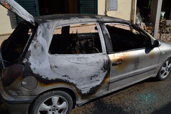 auto-incendiata-san salvo