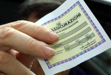 Contrassegno assicurativo contraffatto, denunciato un 37enne