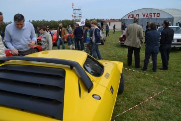 Auto e moto d'epoca a Campo Volo