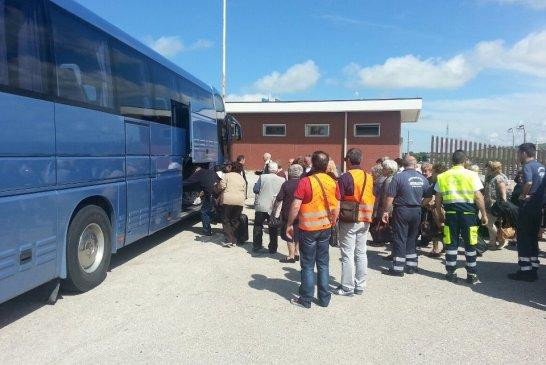 protezione civile-autobus-incendiato-2
