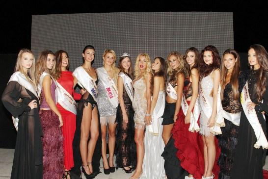 A_Le 12 finaliste con Valeria Marini