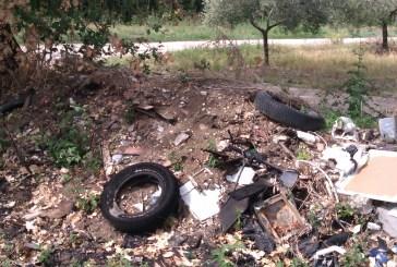 Nonostante Legambiente, ancora pneumatici abbandonati in via San Rocco