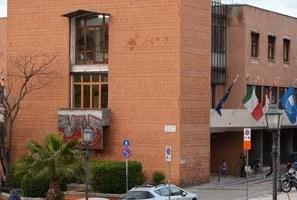 Consiglio comunale, opposizioni in rivolta per la presenza