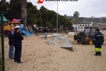 Comune e Capitaneria al lavoro per la pulizia della spiagga della Marina