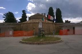 Camposanto Chiesa prospetto ampio