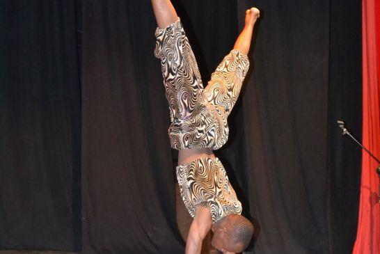 acrobati-kenya - 100