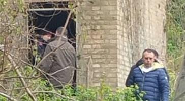 36 anni e residente in città: queste le indiscrezioni sull'uomo trovato senza vita a Vasto