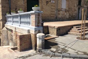 E' stata riparata la balconata all'ingresso della sala Vittoria Colonna