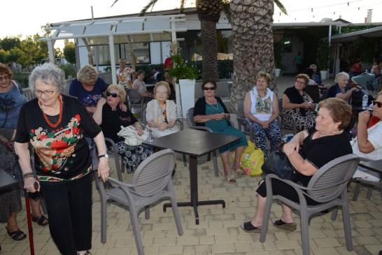 Amici degli Anziani_ vacanza alla Grotta del Saraceno_23_08_2015.020