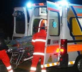 23enne cade dalla moto e finisce in ospedale in codice rosso
