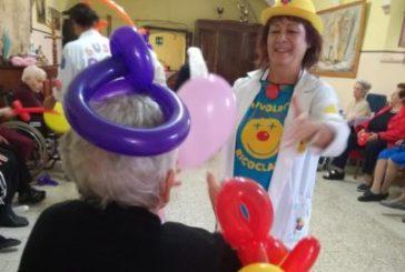 La festa dei nonni a Sant'Onofrio con la Ricoclaun