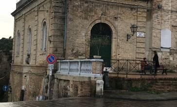 Vasto, riaperta l'area tra il muro dei giardini di Palazzo d'Avalos e Via Porta Palazzo