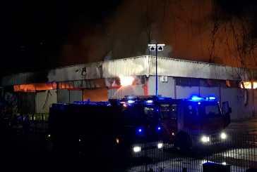 Incendio alla zona industriale,