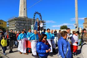 La Madonna di Pennaluce portata processionalmente nella chiesa di San Paolo