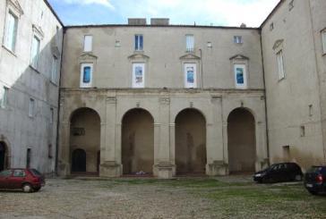 Palazzo d'Avalos, cortile nel degrado