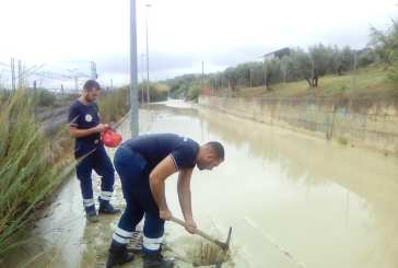 Allagamenti e strade chiude, a lavoro i volontari della Protezione Civile