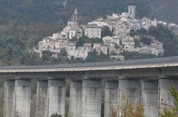 Pedaggi e sicurezza A24 a A25, 104 sindaci di Abruzzo e Lazio scrivono al ministro